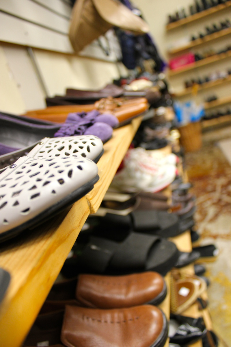 Nifty Thrifty Lesson: Buying Shoes at a Thrift Store